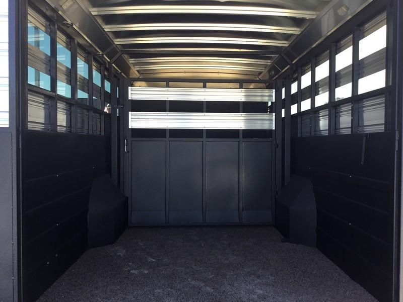 NEW 2019 Logan Coach Select 14 ft Stock Combo 14 ft LQ Livestock Trailer