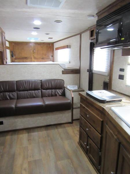 New 2018 Logan Limited 4H LQ Horse Trailer Vin 06254