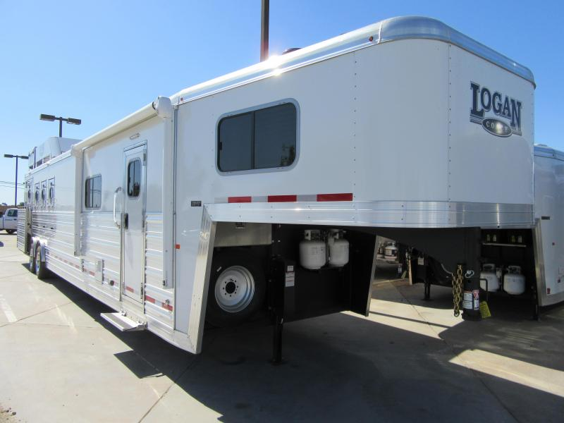 New 2018 Logan Coach 815 S/O Plat Pkg 4 Horse Living Quarters Trailer