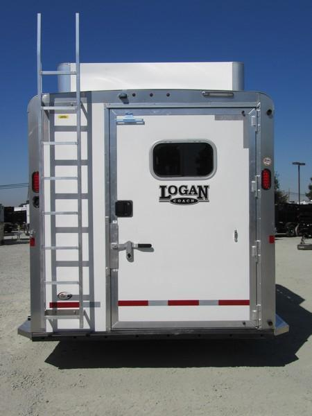 New 2018 Logan Coach Riot 3-Horse GN w/Side Tack Horse Trailer Vin05923