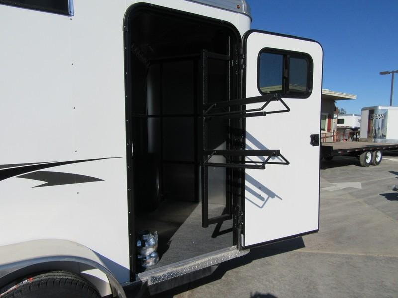 New 2018 Logan Coach Crossfire 2H Horse Trailer