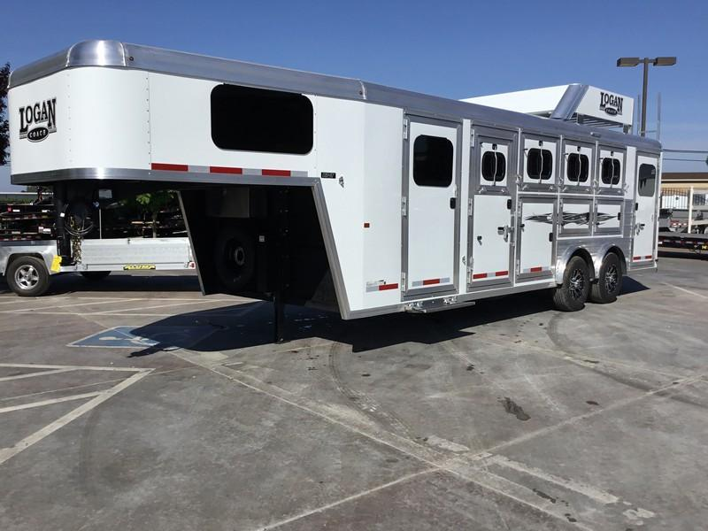 New 2019 Logan Coach Riot 4 Horse Trainers Tack Sport