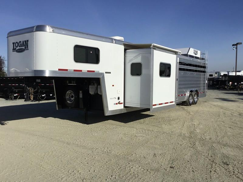 New 2019 Logan Limited Stockcombo 16' Living Quarters Livestock Trailer