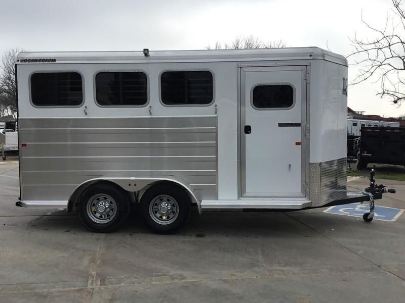 NEW 2019 Logan Bullseye 3H Bumper Pull Horse Trailer