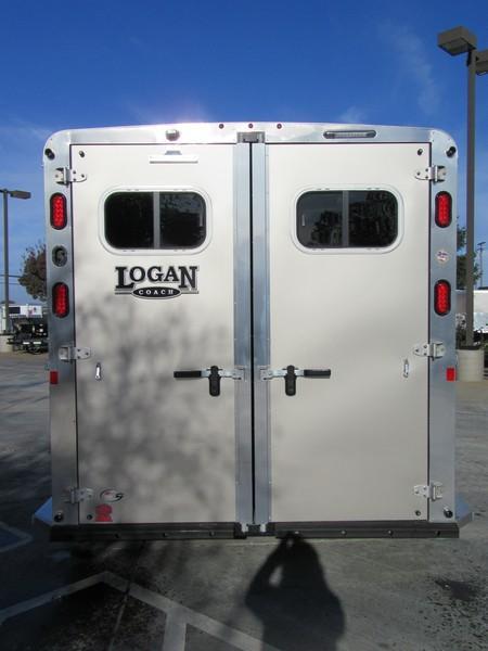 New 2018 Logan Coach XTR 2H BP Horse Trailer VIN 06016