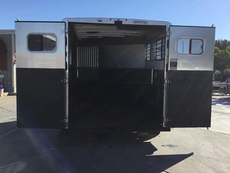 NEW 2019 Logan Coach 2H Edge BP Horse Trailer
