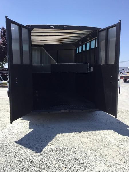 New 2019 Logan Coach Crossfire 3H Horse Trailer BP