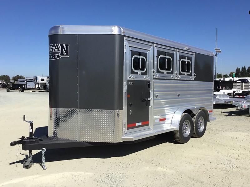 NEW 2019 Logan Coach 3H Riot BP Horse Trailer