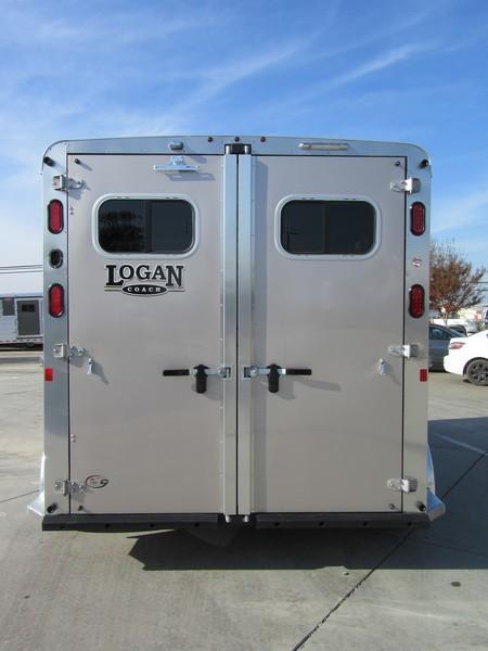 New 2018 Logan Coach Riot 2H BP Horse Trailer Vin 06089