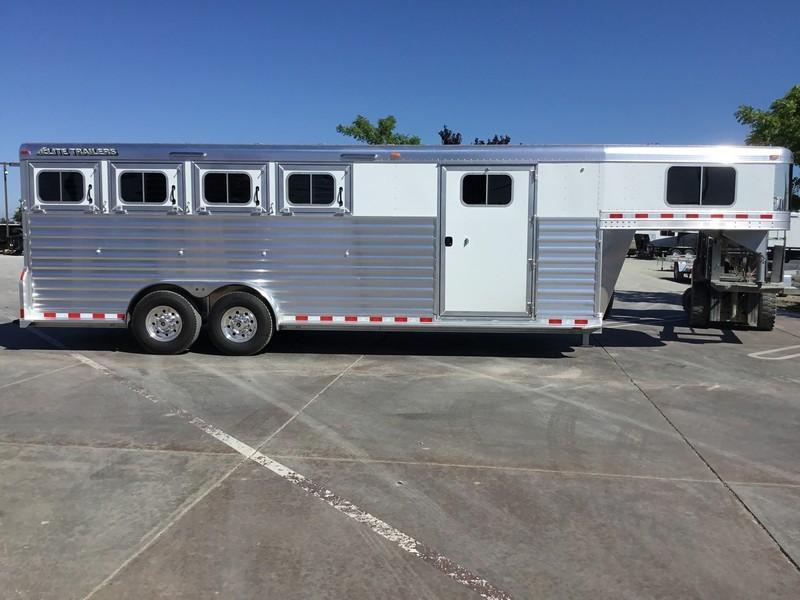 NEW 2019 Elite Trailers 4 horse dual man door Horse Trailer