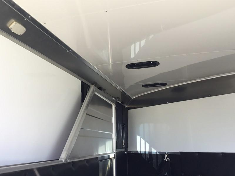 New 2019 Logan Coach XT 2H BP Horse Trailer