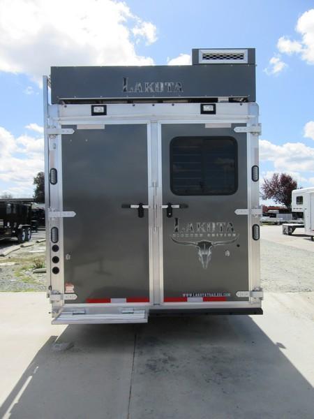 New 2018 Lakota BH8416SR 4H Living Quarters Horse Trailer Vin01705