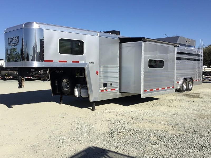 NEW 2019 Logan Coach Select 14 ft stock combo GN 14 ft LQ Horse Trailer