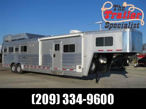 New 2014 Logan Coach 4H Razor 812 Living Quarters Horse Trailer in Ashburn, VA