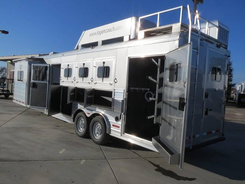 New 2014 Logan Coach 4H Razor 812 Living Quarters Horse Trailer