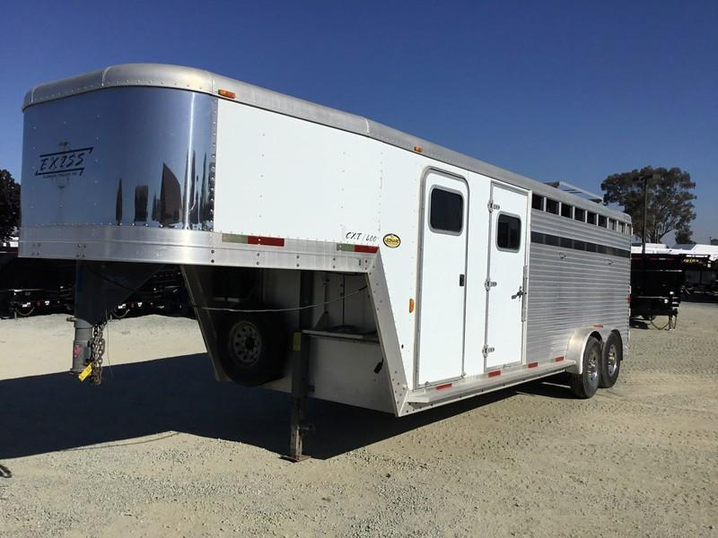 USED 2002 Exiss Trailers 4 H GN Horse Trailer