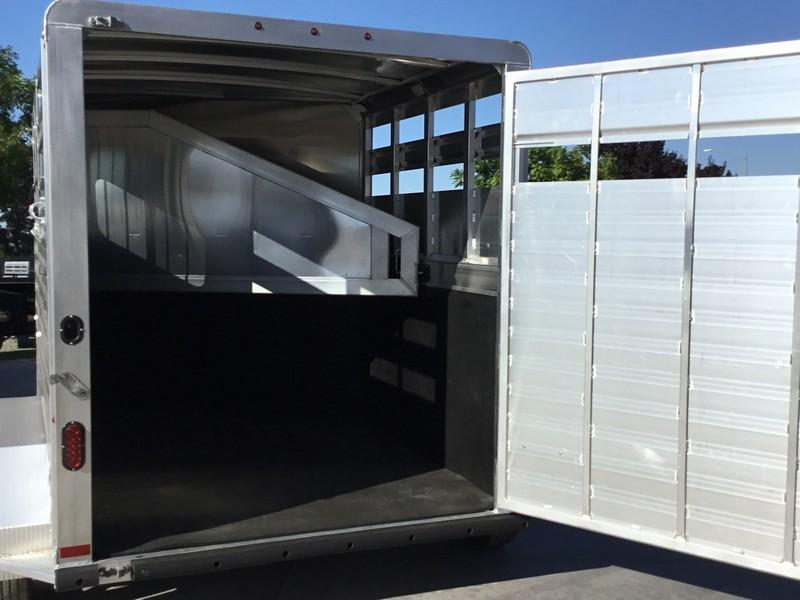 2019 Elite Trailers Wrangler 2H BP Plus Horse Trailer