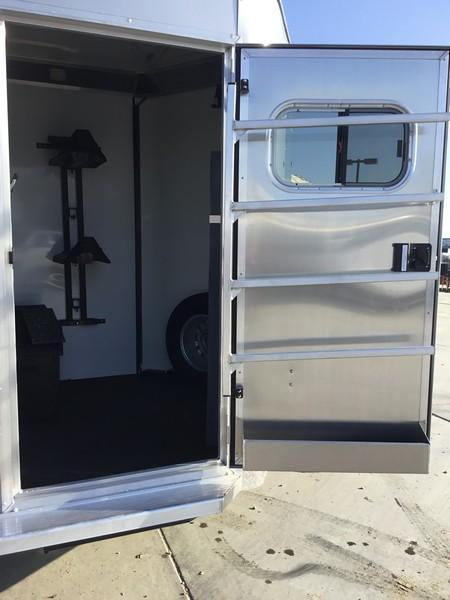 NEW 2019 Logan Warmblood XT 2H Straight Load Horse Trailer