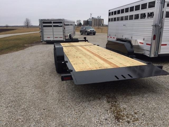 2020 Trailerman Trailers Inc. Cushion Tilt (6+16) Equipment Trailer