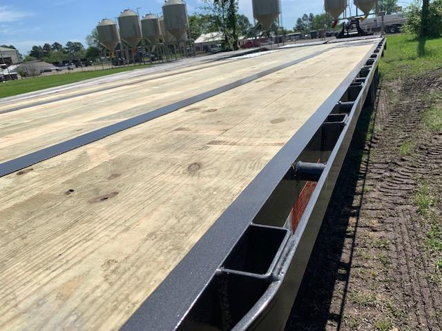 2019 Traxx Trailers DO33DTLP Flatbed Trailer