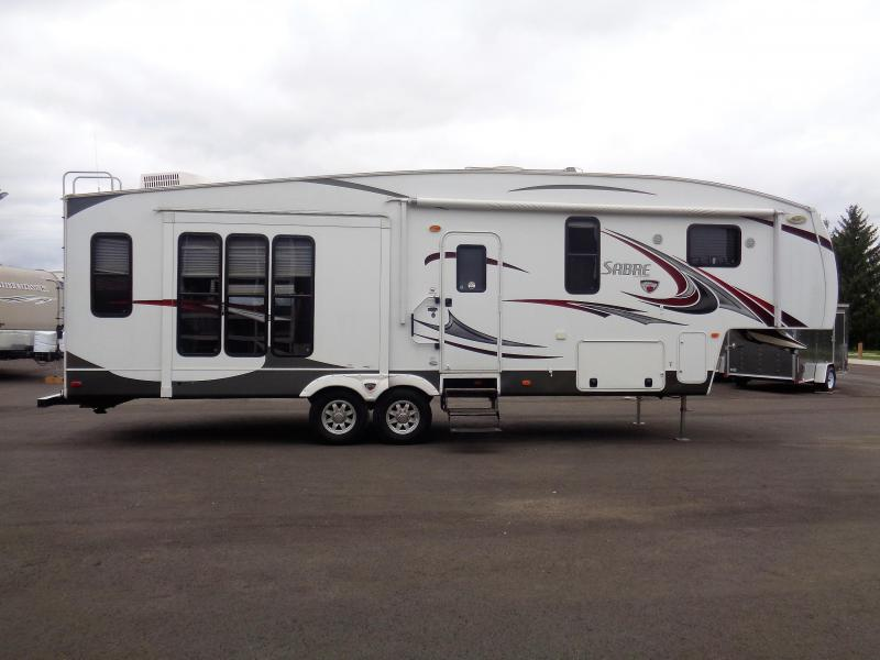 2013 Sabre 32RCTS 5TH WHEEL Camping / RV Trailer