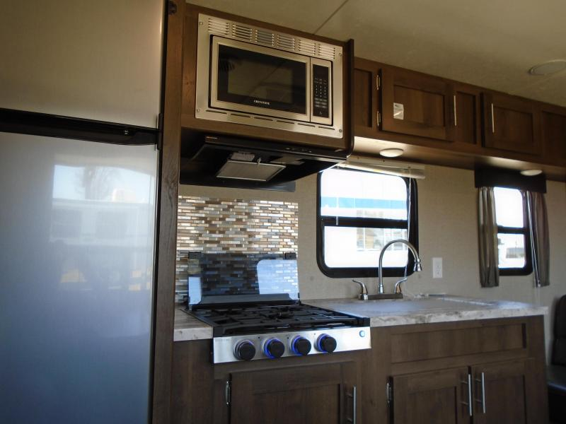2019 SHASTA SST26BH TRAVEL TRAILER / BUNK HOUSE Camping / RV Trailer