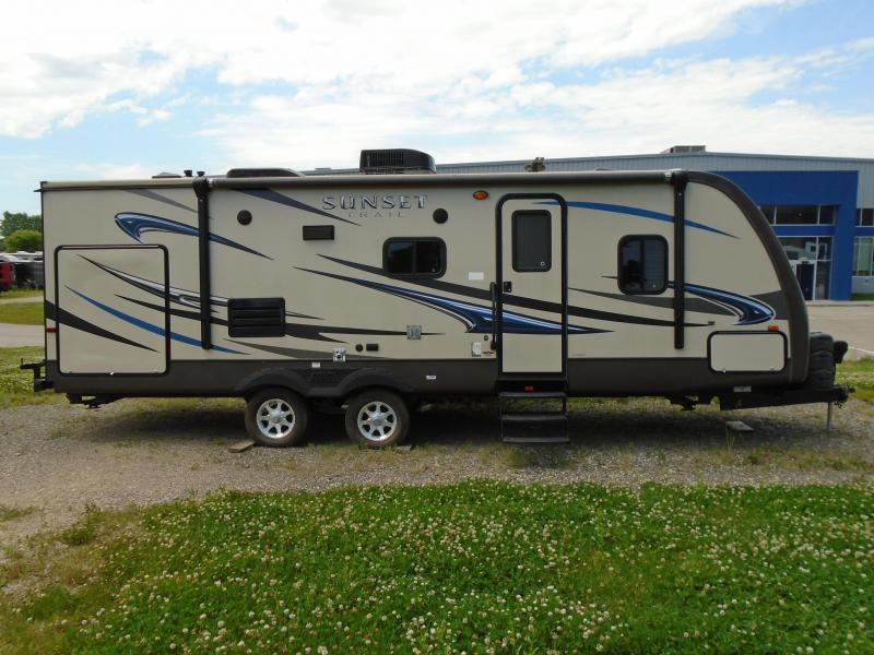 2013 Sunset Trail 25-RB Travel Trailer Camping / RV Trailer