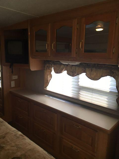 2005 Other 29LE 5TH WHEEL Camping / RV Trailer