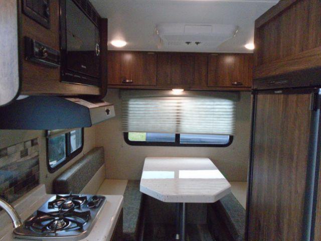 2019 Travel Lite 20FT Travel Trailer Camping / RV Trailer