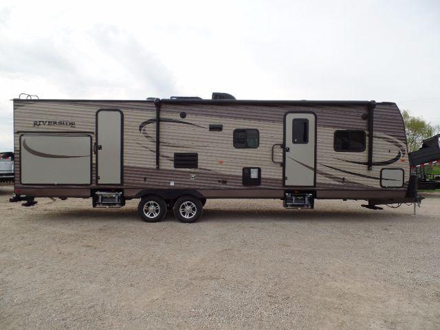 2018 Riverside Travel Trailer Inc. 31BHSK TRAVEL TRAILER Camping / RV Trailer