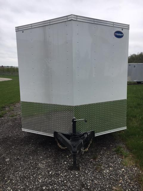 2019 United Trailers XLV-716TA35-8.5-S V-Nose/Barn Doors Enclosed Cargo Trailer