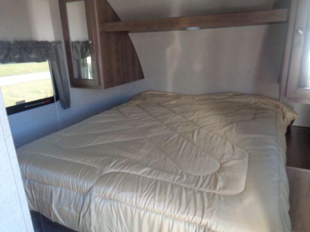 2019 Shasta SST21CK TRAVEL TRAILER Camping / RV Trailer