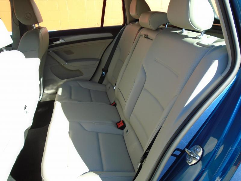2015 Volkswagen GOLF TSI SPORT WAGON Car