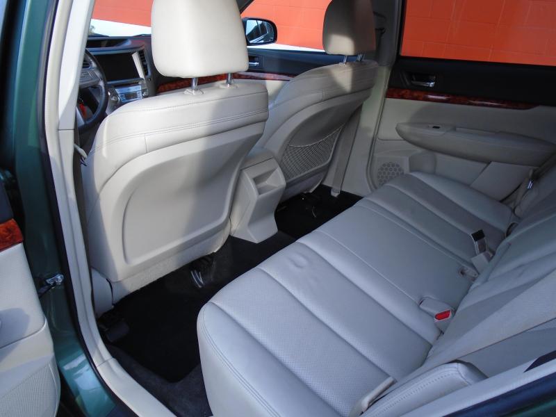 2010 Subaru OUTBACK Car