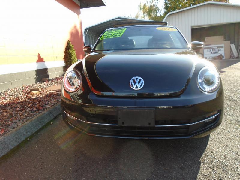 2012 Volkswagen NEW BEETLE Car