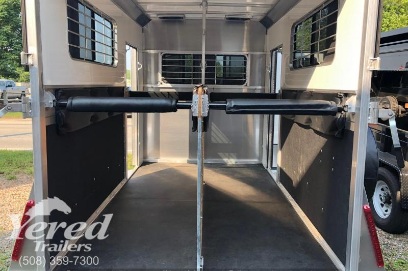 2019 Kingston Trailers Inc. Elite Horse Trailer