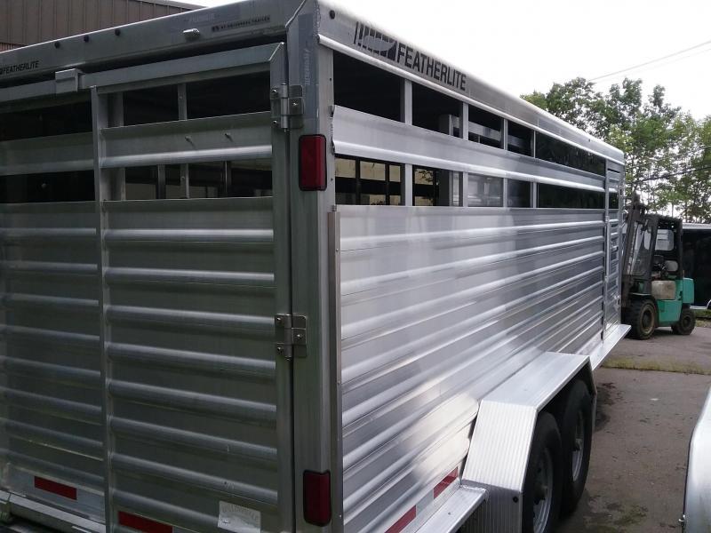 2012 Featherlite F/Lite 8117 Horse Trailer