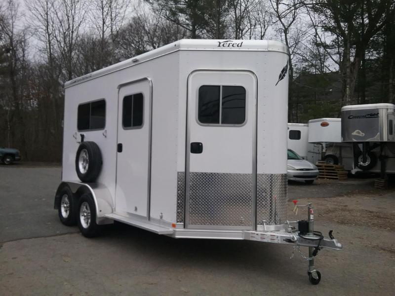 2018 Featherlite 9652 2h D/room bp Horse Trailer in Ashburn, VA