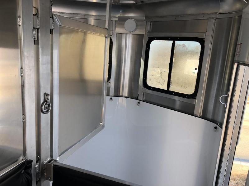 2019 Kingston Classic Elite Horse Trailer