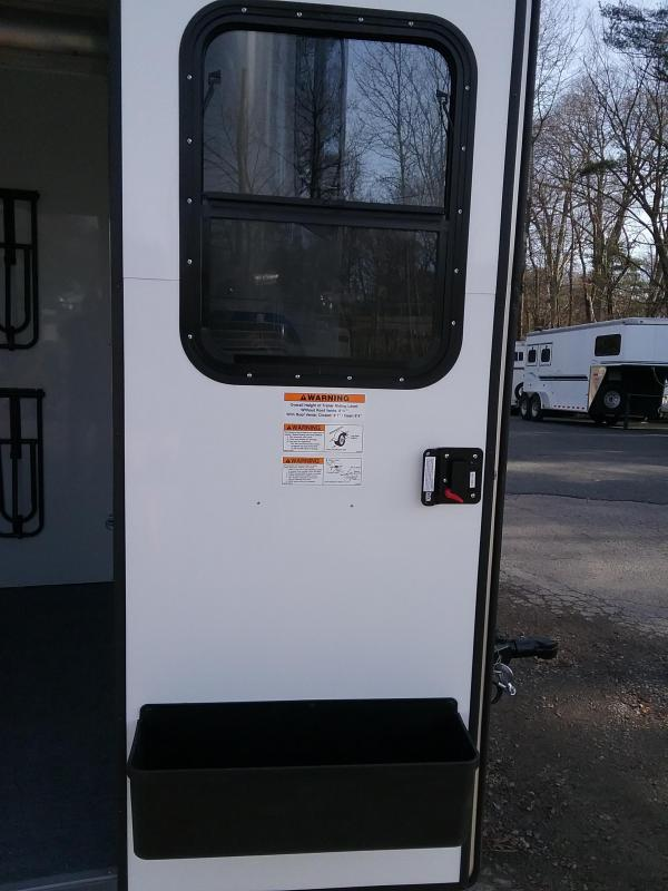 2019 Kingston Trailers Inc. Classic Elite Horse Trailer