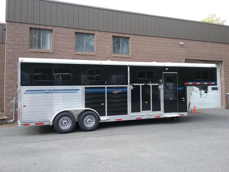 2020 Kingston Trailers Inc. GooseNeck 2&1 Horse Trailer