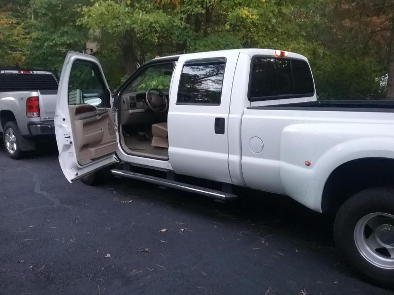 2002 Ford F-350 S/D Dually Truck
