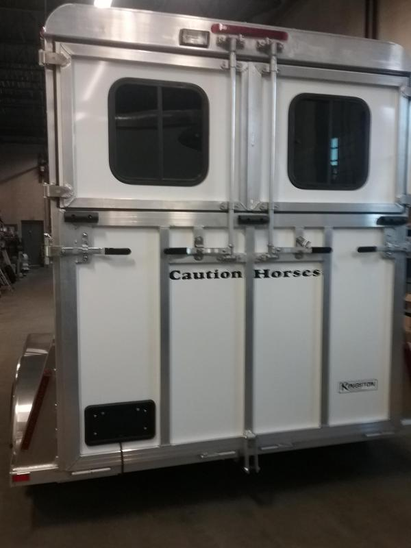 2020 Kingston Trailers Inc. Newport-Elite-Warmblood Horse Trailer