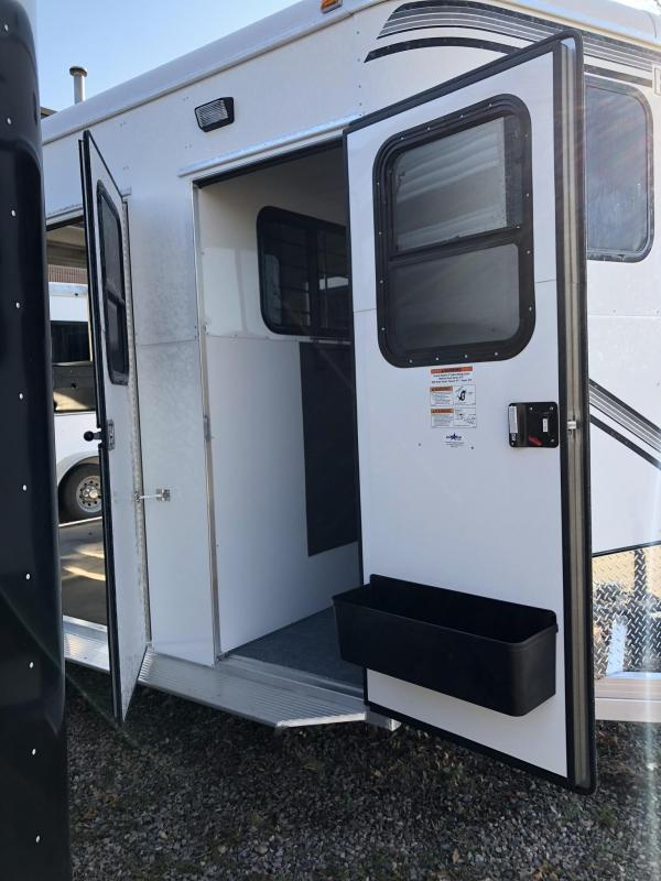 2019 Kingston Trailers. Classic Elite R/RoomHorse Trailer