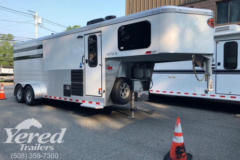 2019 Sundowner Trailers Santa FE 3h LQ Horse Trailer in Ashburn, VA