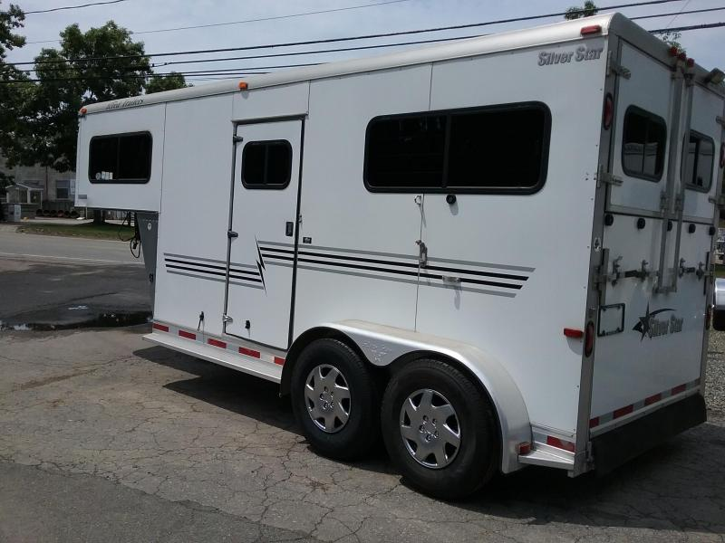 2005 Silver Star Trailers 2H gn D/room Horse Trailer