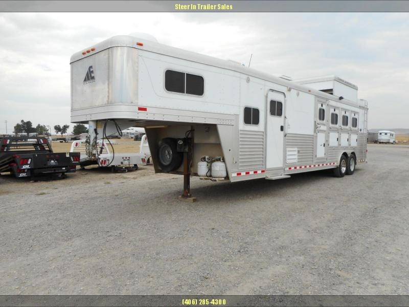 2006 Elite 4H LQ Horse Trailer on