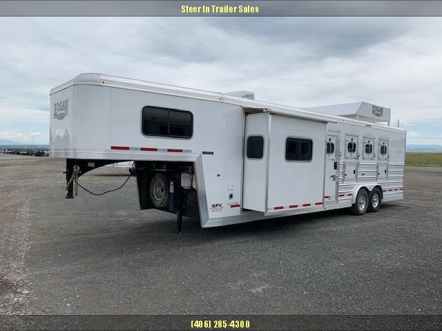 2017 Logan Coach 4H 810 LIMITED Horse Trailer in Ashburn, VA