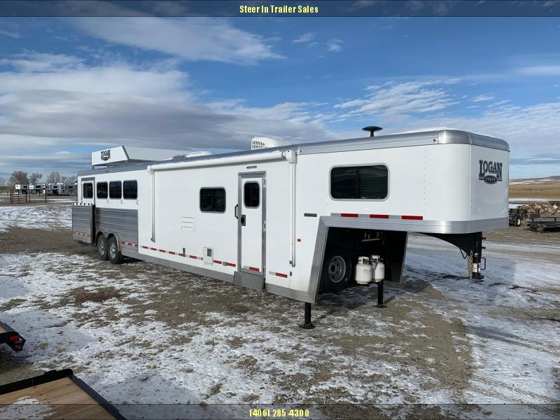 2019 Logan Coach 814 Limited 4H w / Full Rear Tack Horse Trailer