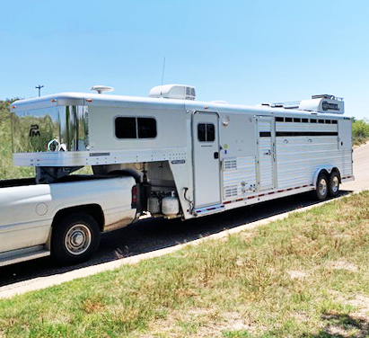 2006 Platinum Coach Stock Combo Livestock Trailer in Ashburn, VA
